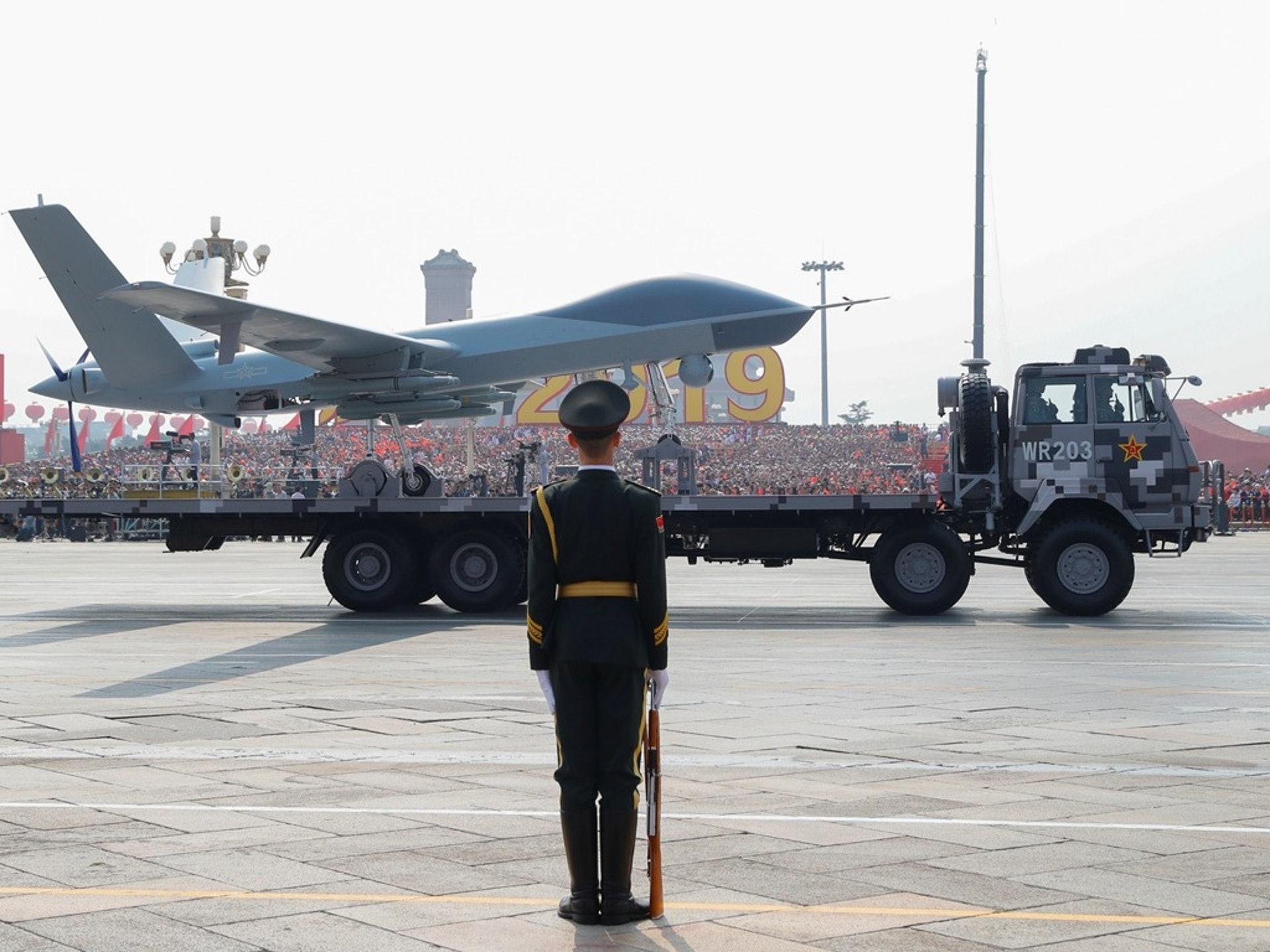 2019年10月1日,中国在阅兵上展示大量新武器。图为无人机方队。(Reuters)