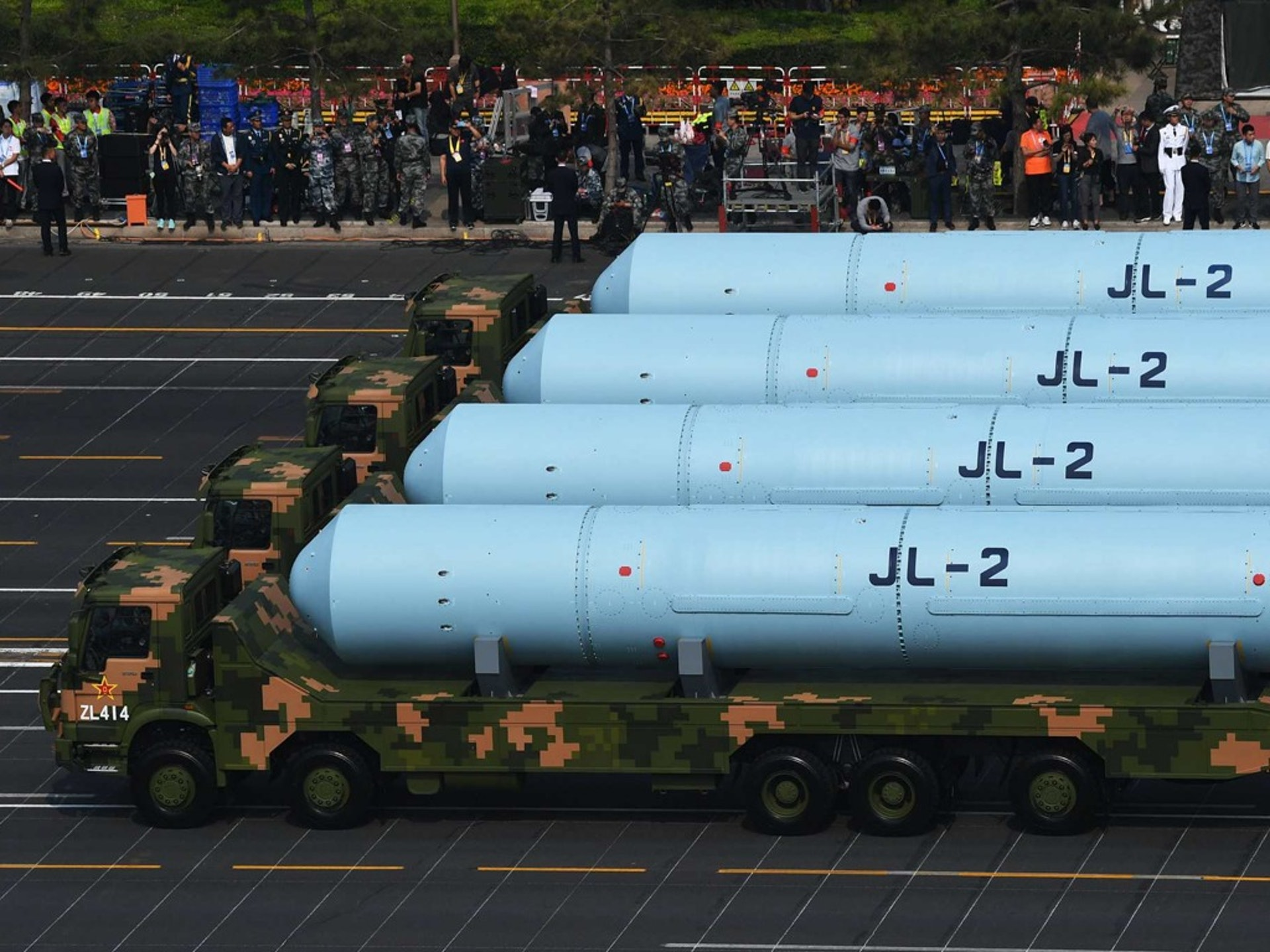巨浪-2核导弹与094型战略核潜艇构成中国第二代海基核威慑力量。(新华社)