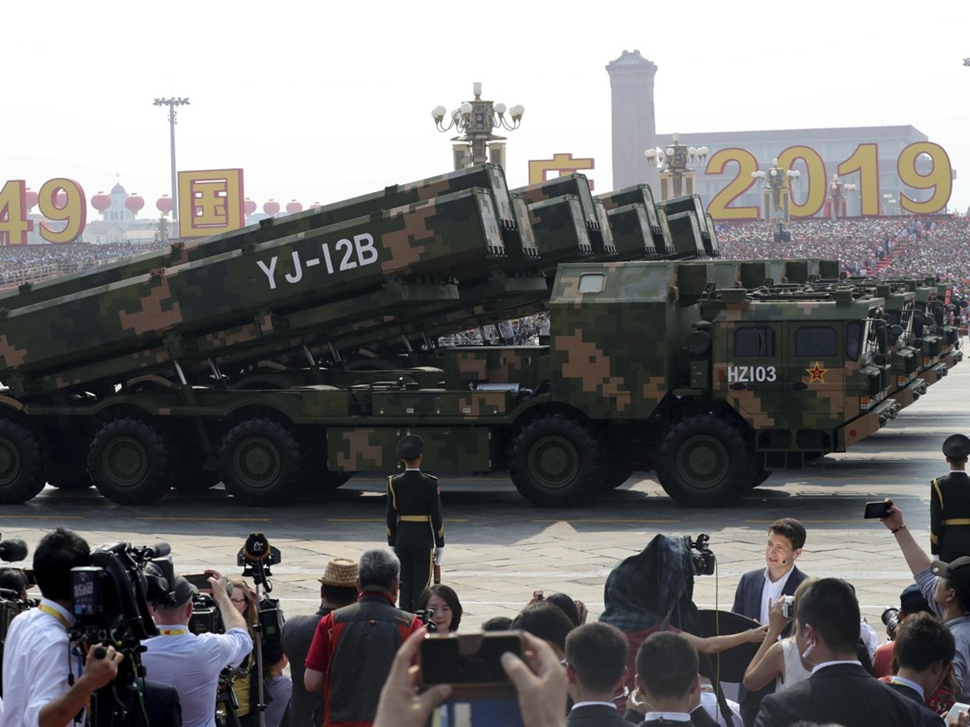 YJ-12B是解放军装备的超音速反舰导弹,也是反航母利器。(AP)