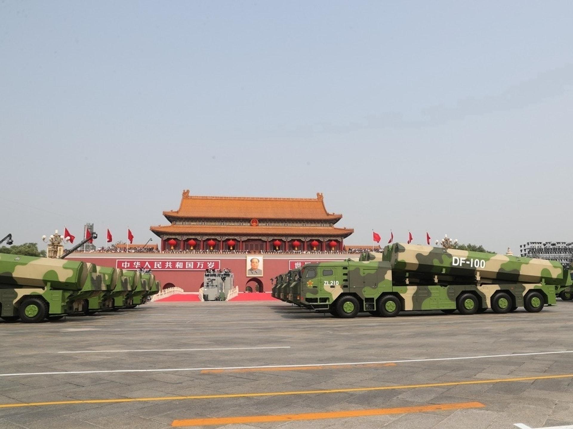 东风-100是一款超音速巡航导弹,是中国军队精确打击武器。(新华社)